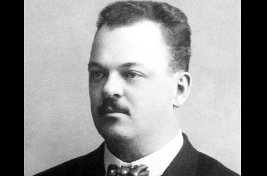Gideon Sundback | By nieznany - Gideon Sundback kimdir ? Fermuarın icadı, Domena publiczna, https://commons.wikimedia.org/w/index.php?curid=19195099