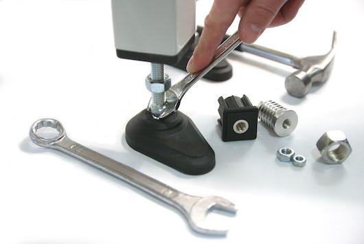 Jak zamocować stopy do maszyny